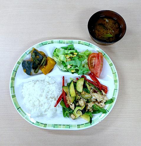 7月24日 畑の野菜で塩炒め