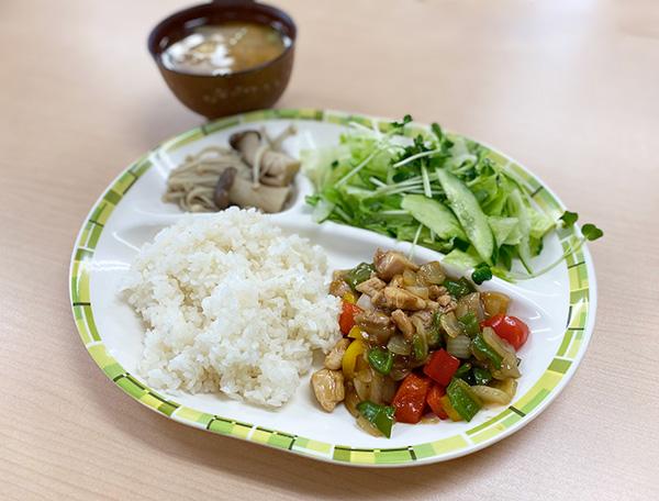 鶏肉とパプリカの炒め物