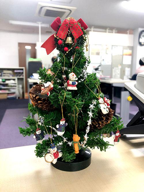 デスクのクリスマスツリー